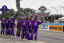 Crew of Matt Kenseth, Roush Fenway Racing Ford
