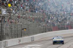 Bobby Labonte, JTG Daugherty Racing Toyota crashes