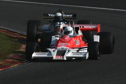 #26 Frank Lyons, McLaren M26