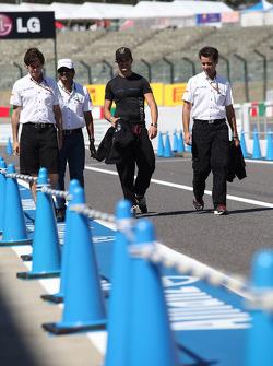 Narain Karthikeyan, HRT F1 Team and Vitantonio Liuzzi, HRT F1 Team
