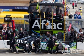 Pit stop for Carl Edwards, Roush Fenway Racing Ford