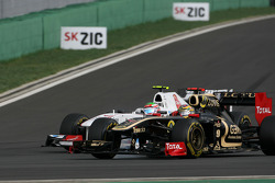 Bruno Senna, Renault F1 Team and Sergio Perez, Sauber F1 Team