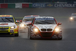 Tom Coronel, BMW 320 TC, ROAL Motorsport and Kristian Poulsen, BMW 320 TC, Liqui Moly Team Engstler