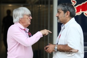 Bernie Ecclestone with Vicky Chandhok