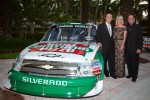 NASCAR Camping World Truck Series owner champion Kevin Harvick, Kevin Harvick Inc. Chevrolet, Delana Harvick and Ron Hornaday