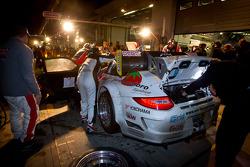 Pit stop for #26 Sponsorcard MSC Adenau e.V. Porsche 997 GT3 R: Klaus Abbelen, Sabine Schmitz, Niklas Kentenich, Tim Bergmeister