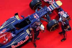 Jean-Eric Vergne and Daniel Ricciardo, Scuderia Toro Rosso