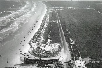 Cars race on the old Daytona Beach temporary circuit in the 1950s
