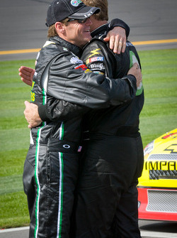 Kenny Wallace, RAB Racing Toyota and Mike Wallace, Max Q Motorsports Ford