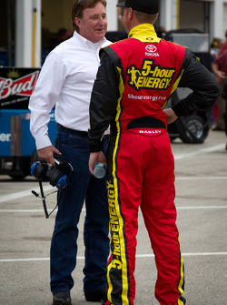 Clint Bowyer, Michael Waltrip Racing Toyota with Richard Childress