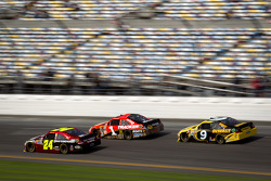 Jeff Gordon, Hendrick Motorsports Chevrolet, Jamie McMurray, Earnhardt Ganassi Racing Chevrolet, Marcos Ambrose, Richard Petty Motorsports Ford