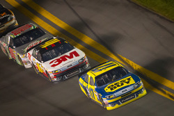 Matt Kenseth, Roush Fenway Racing Ford leads Greg Biffle, Roush Fenway Racing Ford and Dale Earnhardt Jr., Hendrick Motorsports Chevrolet