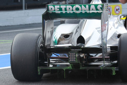 Nico Rosberg, Mercedes AMG Petronas rear wing and suspension