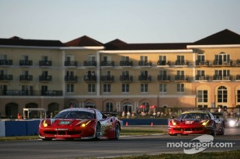 #59 Luxury Racing Ferrari F458 Italia: Frederic Makowiecki, Jaime Melo, Jean-Karl Vernay