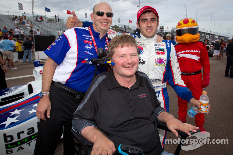 Race winner Tristan Vautier, Sam Schmidt Motorsports celebrates with team owner Sam Schmidt