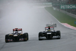 Jean-Eric Vergne, Scuderia Toro Rosso  and Bruno Senna, Williams F1 Team
