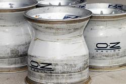 Oz Racing wheel hubs