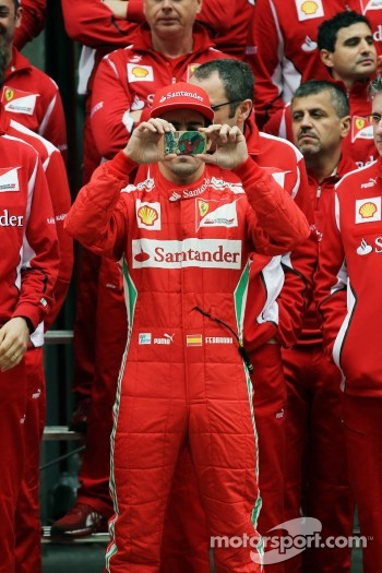 Fernando Alonso, Scuderia Ferrari at a team photograph