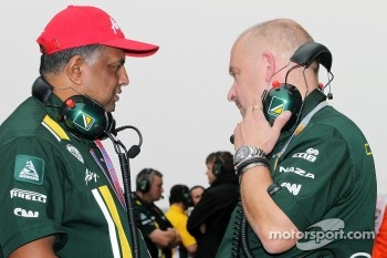 Tony Fernandes, Caterham Team Principal with Mike Gascoyne, Caterham Group Chief Technical Officer