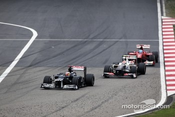 Pastor Maldonado, Williams leads Sergio Perez, Sauber and Fernando Alonso, Ferrari