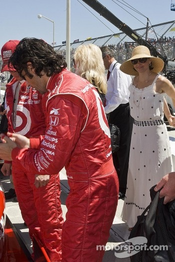 Dario Franchitti gets ready for the race with wife Ashley Judd at the 38th Annual Toyota Grand Prix of Long Beach