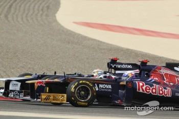 Daniel Ricciardo, Scuderia Toro Rosso and Pastor Maldonado, Williams