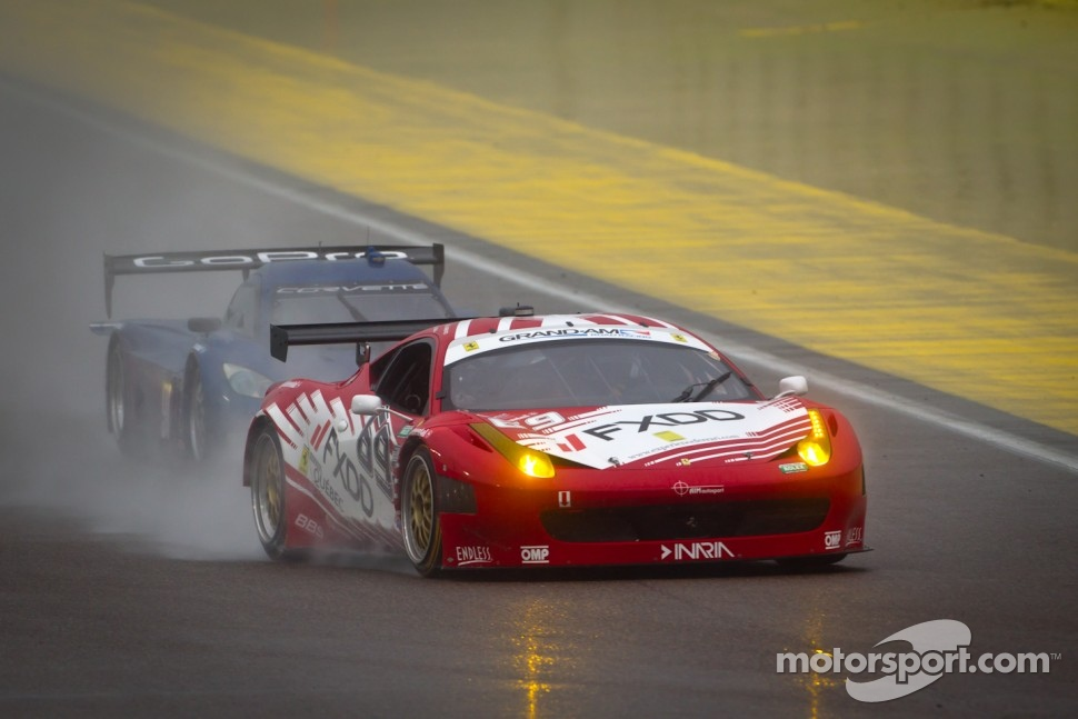 #69 AIM Autosport Team FXDD Racing with Ferrari Ferrari 458: Emil Assentato, Jeff Segal