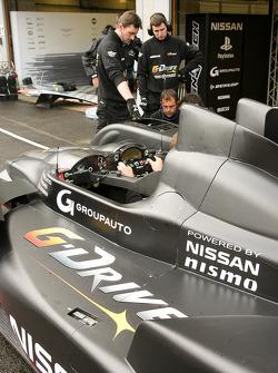 #26 Signatech Nissan Oreca 03-Nissan: Pierre Ragues, Nelson Panciatici, Roman Rusinov