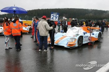 #29 Gulf Racing Middle East Lola B12/80 Nissan: Frederic Fatien, Keiko Ihara, Jean-Denis Deletraz 