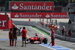 Fernando Alonso, Scuderia Ferrari in the pits