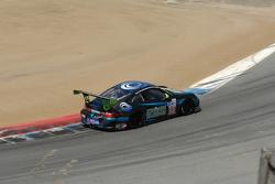 #68 TRG Porsche 911 GT3 Cup: Emilio Di Guida, Jeroen Bleekemolen