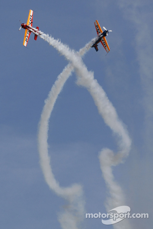 Pre race flying show