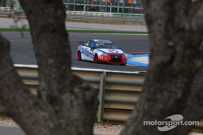 Alain Menu, plays Michel Vaillant with Chevrolet Vaillant
