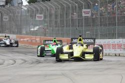 Josef Newgarden, Sarah FisherHartman Racing Honda and James Hinchcliffe, Andretti Autosport Chevrolet