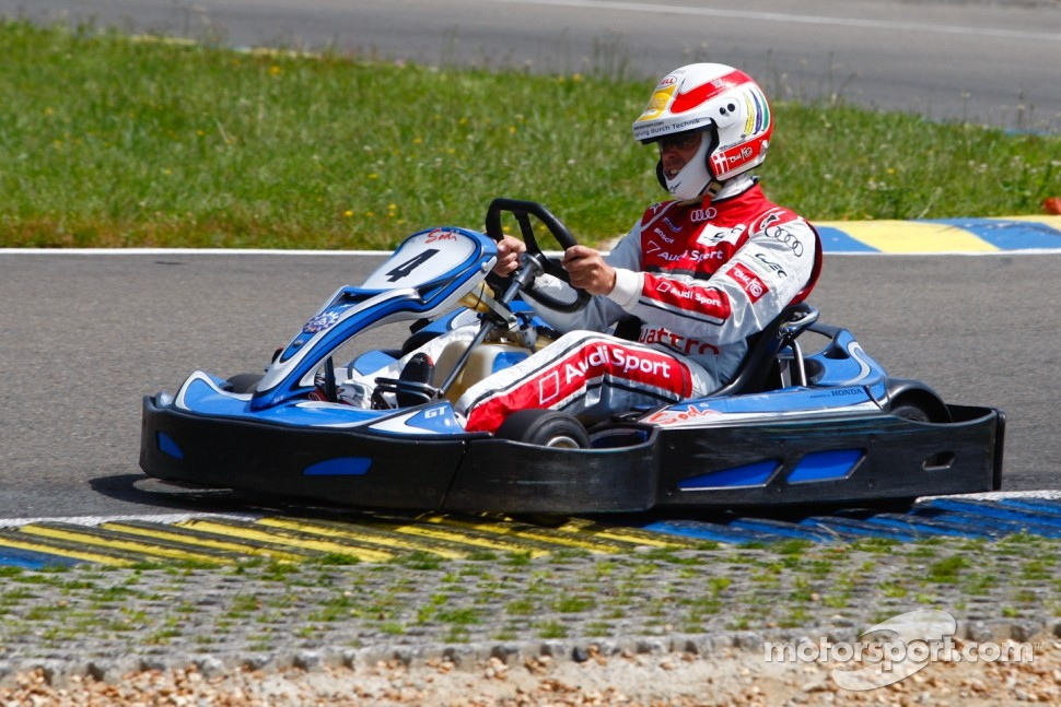 Drivers and media kart challenge at Circuit Alain Prost: Tom Kristensen