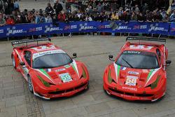 #59 Luxury Racing Ferrari F458 Italia: Frederic Makowiecki, Jaime Melo, Dominik Farnbacher, #58 Luxury Racing Ferrari 458 Italia: Pierre Ehret, Frankie Montecalvo, Gunnar Jeannette