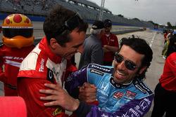 Dario Franchitti, Target Chip Ganassi Racing Honda and Justin Wilson, Dale Coyne Racing Honda