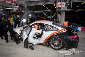 Pit stop for #55 JWA-Avila Porsche 911 RSR: Paul Daniels, Markus Palttala, Joel Camathias