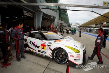 #3 NDDP Racing Nissan GT-R Nismo GT3: Yuhi Sekiguchi, Katsumasa Chiyo