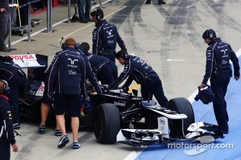 Bruno Senna, Williams in the pits