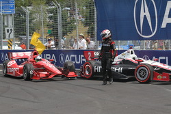 Ryan Briscoe, Team Penske Chevrolet and Dario Franchitti, Target Chip Ganassi Racing Honda