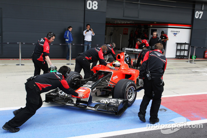 Rio Haryanto, Marussia F1 Team Test Driver pushed back in the pits