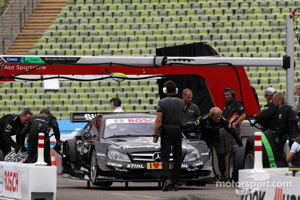 Gary Paffett, Team HWA AMG Mercedes, AMG Mercedes C-Coupe Pitstop