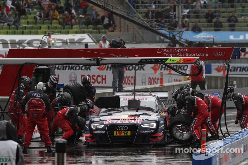 Sunday Final Mattias Ekström, ABT Sportsline Audi A5 DTM against Jamie Green, Team HWA AMG Mercedes, AMG Mercedes