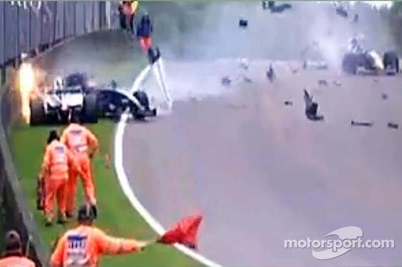 Pastor Maldonado crashes into a stationary Alex Danielsson during a red flag