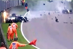 Pastor Maldonado crashes into a stationary Alex Danielsson during a red flag