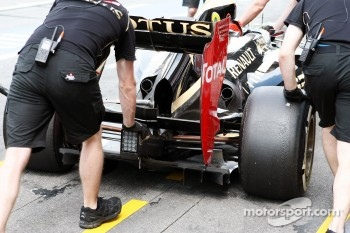 Kimi Raikkonen, Lotus F1 rear wing detail