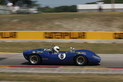 #16 1966 Lola T70 MkII : Dan Cowdrey