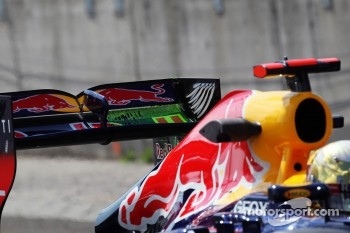 Flow-vis paint on the rear wing of Sebastian Vettel, Red Bull Racing