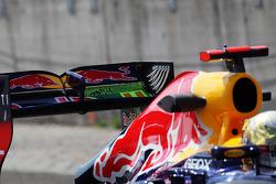 Flow-vis paint on the rear wing of Sebastian Vettel, Red Bull Racing